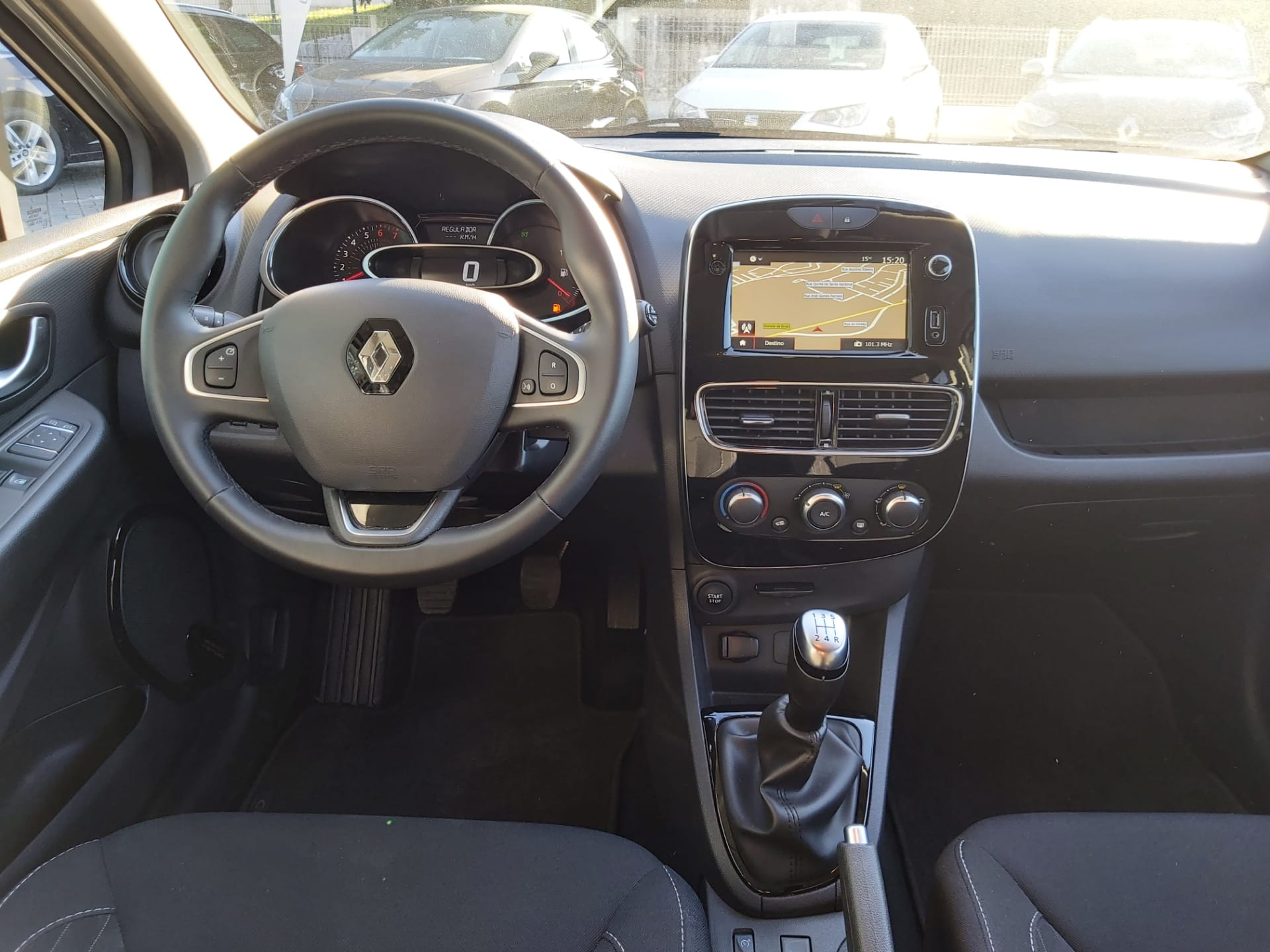 RENAULT Clio ST 0.9 TCe Limited full